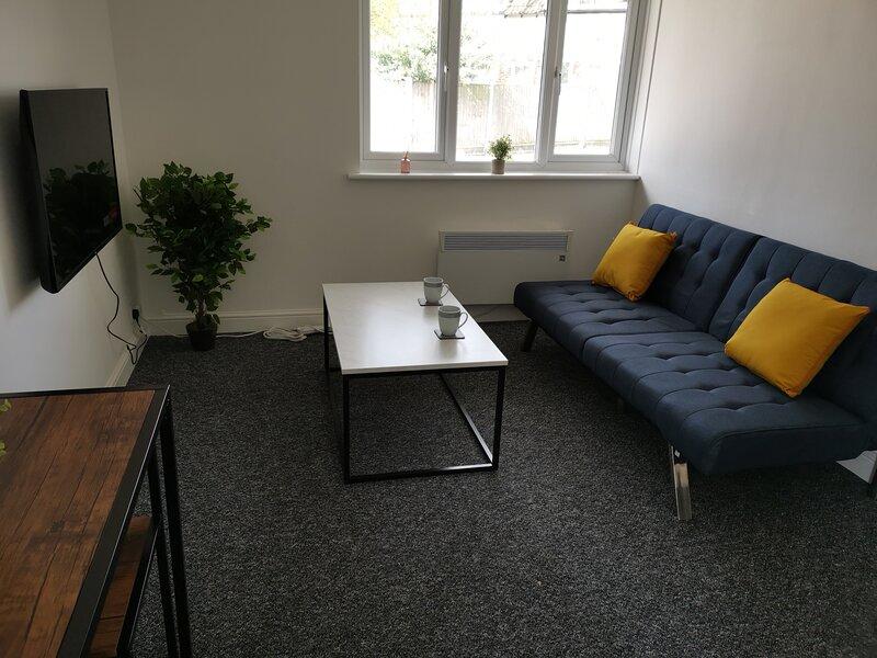 BookedUK: Entire flat next to ExCeL London, location de vacances à East Ham