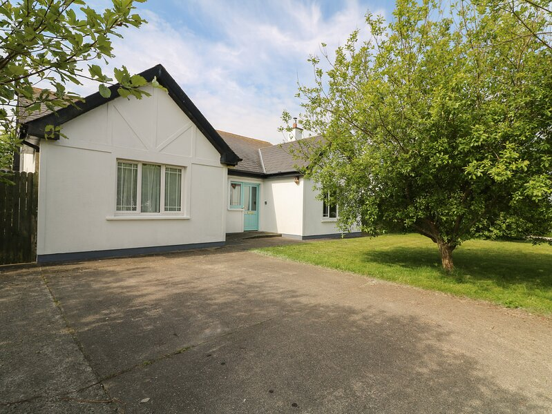 SEAGULL COTTAGE, Stradbally, County Waterford, holiday rental in Carrick-on-Suir