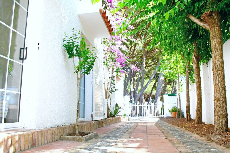 Lovely villa next to the beach, holiday rental in Salou