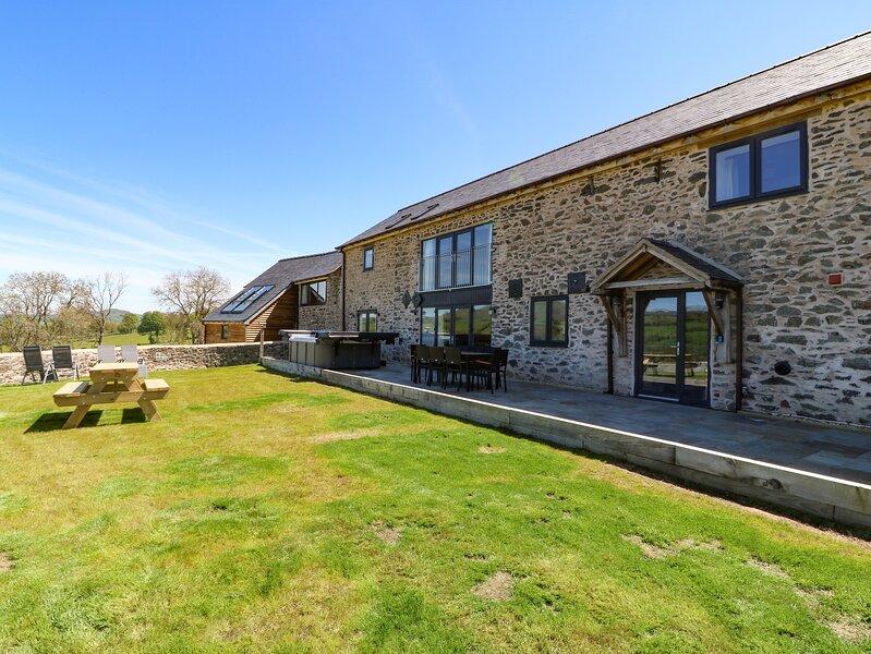 Bwthyn Y Bugail (Shephers's Cottage), Llanrhaeadr-Ym-Mochnant, holiday rental in Llanfihangel-Yng-Ngwyfa