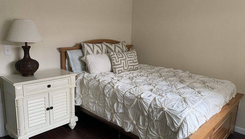 Blissful Homely Coziness in Prime Location, holiday rental in Pueblo