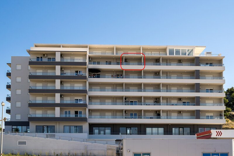 A2 - modern apt with the terrace & sea view, holiday rental in Kamen