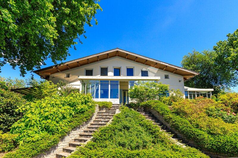 Villa Berenice Au Bord Du Lac, holiday rental in Azzate
