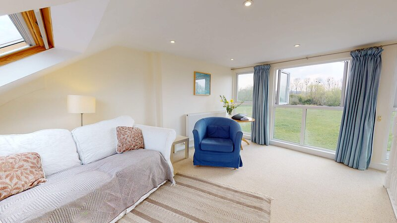 Light centrally located Oxford apartment, holiday rental in Kennington