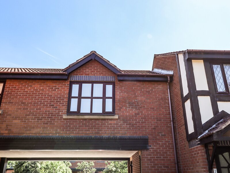 3 Rothbury Place, Lytham St. Annes, holiday rental in Longton