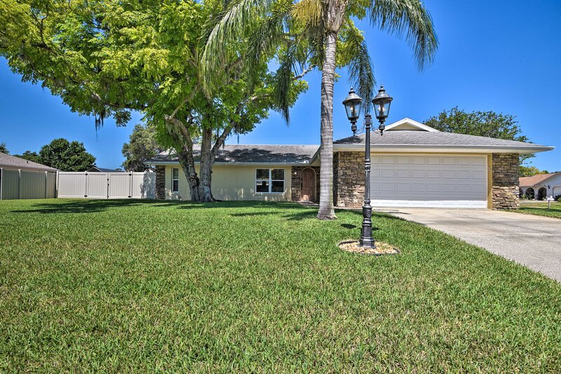 NEW! Relaxing Port Orange Home - 5 Miles to Beach!, holiday rental in Allandale