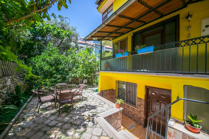 Yellow Home Icmeler Daily Weekly Rentals, location de vacances à Icmeler