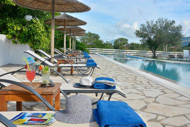 Likithos Hotel Maisonette, aluguéis de temporada em Korissia