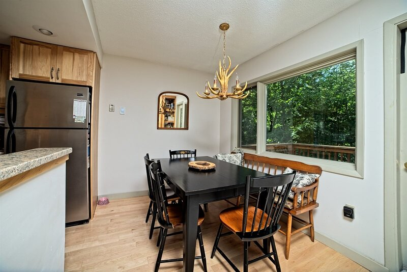 Pet Friendly Two Bedroom Vacation Condo in Waterville Valley NH!, location de vacances à Waterville Valley