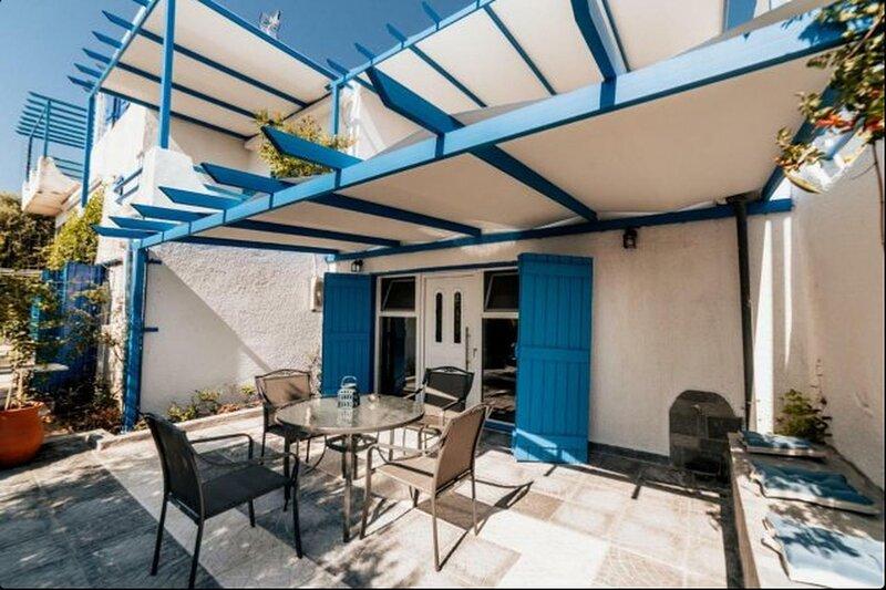 Luxury Studios in Nea Potidaia, 4 persons, location de vacances à Kalyves Polygyrou
