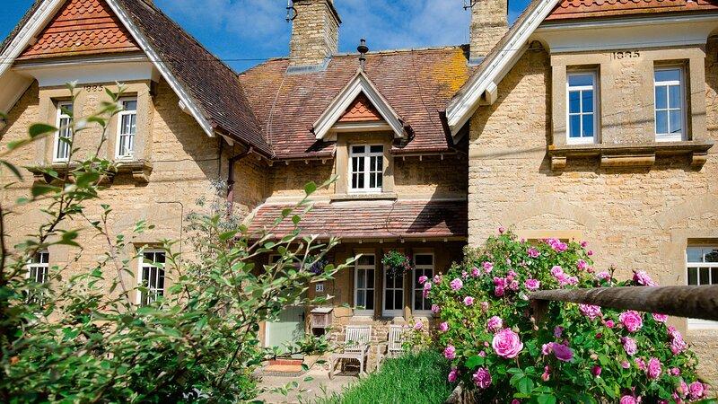 Monument Cottage, Churchill - sleeps 4 guests  in 2 bedrooms, alquiler de vacaciones en Chipping Norton