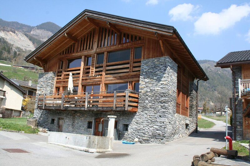 Verbier valley 3-Bed luxury House Swiss alps, holiday rental in Bovernier