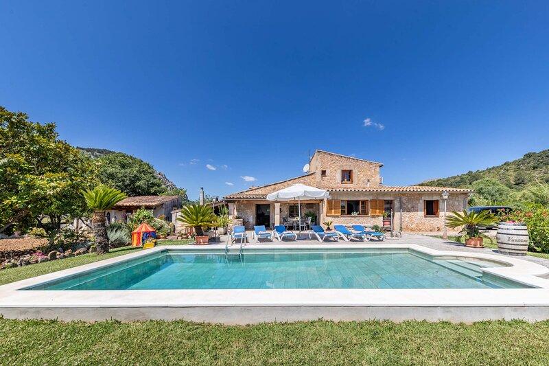 Villa Can Coll, holiday rental in Pozuelo de Alarcon