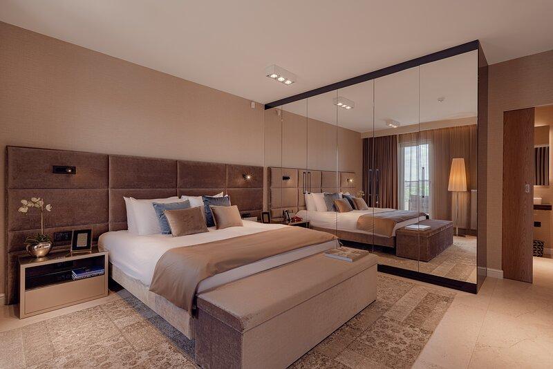 ONE Luxury Apartments - Rzeszow Centrum, vacation rental in Rzeszow
