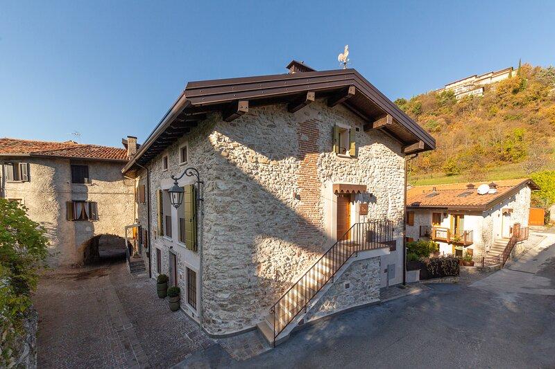Borgo Cantagallo - Casa Ofelia, casa vacanza a Tremosine sul Garda