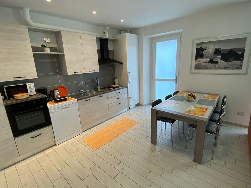 Canada modern apartment near the lake in Carciano Stresa, vacation rental in Campino