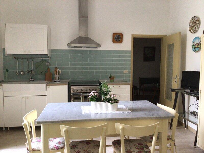 Appartamento vicino al mare con giardino, holiday rental in Grottammare
