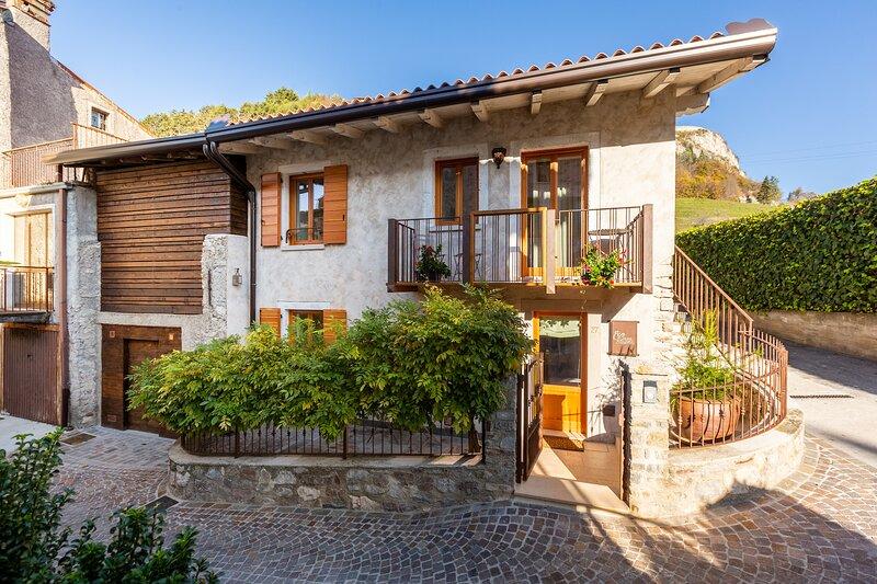 Borgo Cantagallo - Casa Olivia 2, casa vacanza a Tremosine sul Garda