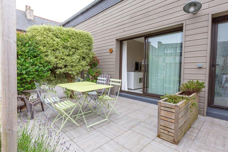 Kerael - Appartement avec terrasse à 50 m de la mer - Perros-Guirec, alquiler vacacional en Saint-Quay-Perros