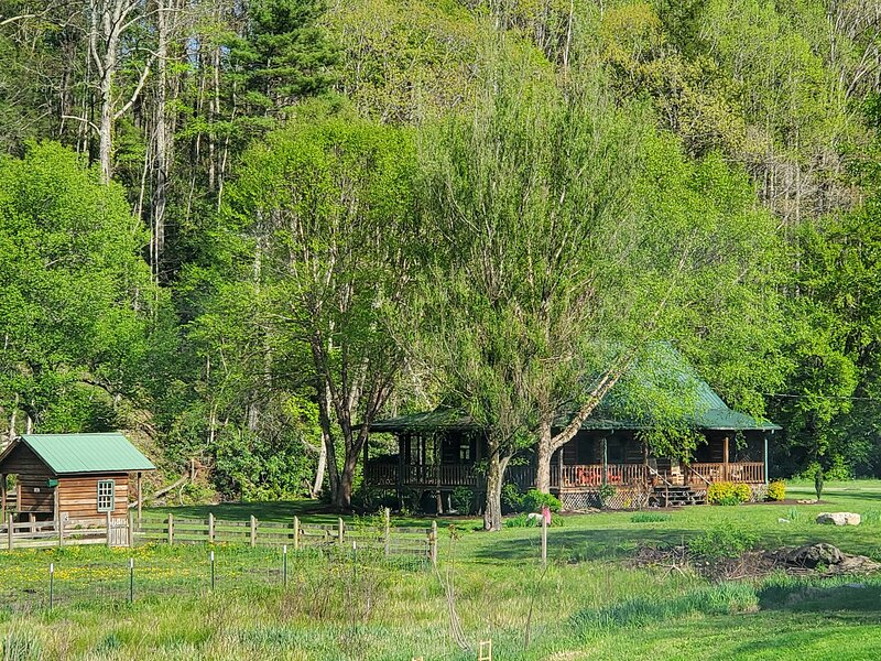 FLYFISHNTN9 Vacation Rental in Tennessee, casa vacanza a Shady Valley