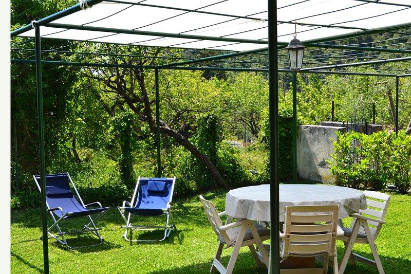 Le case di Nina - Vista mare immersa nel verde, location de vacances à Tortora Marina