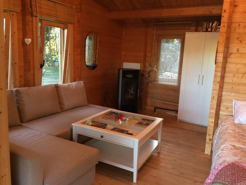 Cosy wooden Cottage in Sariac-Magnoac, France, vacation rental in Mont-d'Astarac