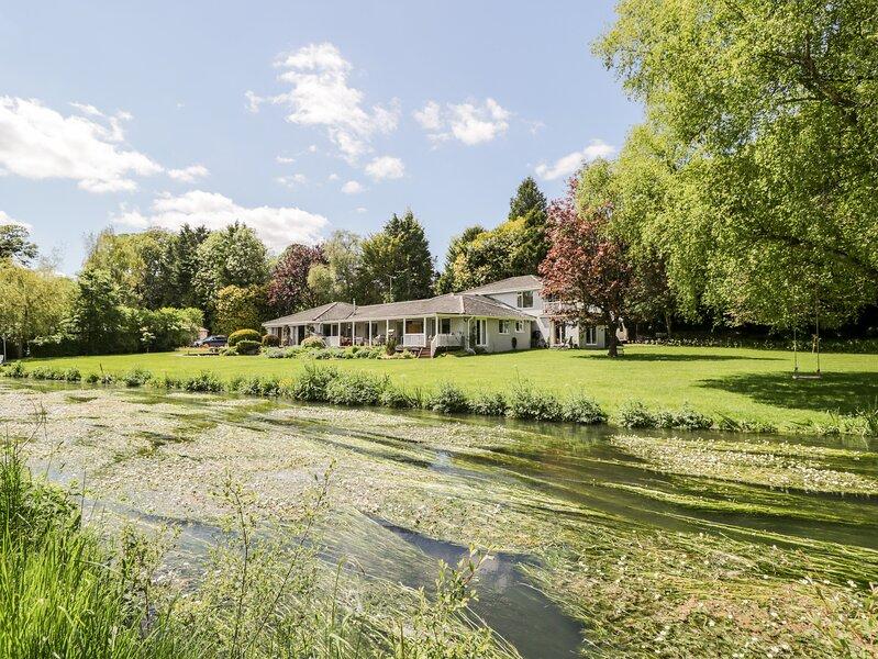 The River House Avon Valley Stonehenge, Salisbury, vacation rental in Enford