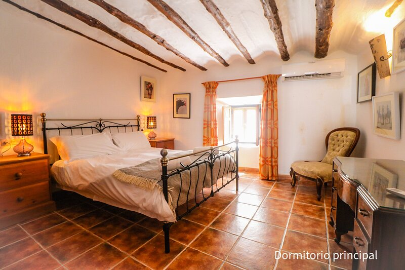 Beautiful 3-Bed House in the centre of Castril, location de vacances à Hinojares