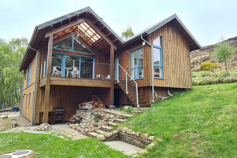 Large Luxury Holiday Home in Highland Glen, vacation rental in Contin