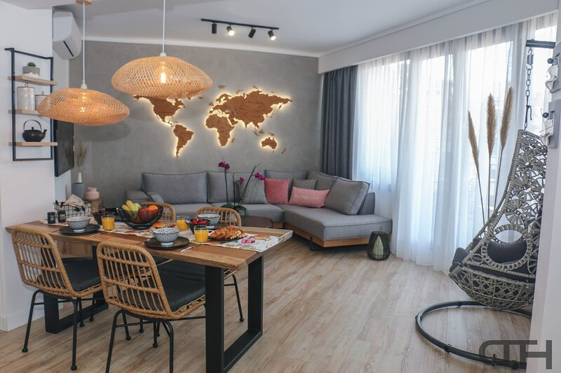 DownTown Thessaloniki Deluxe - Alexander The Great, holiday rental in Menemeni