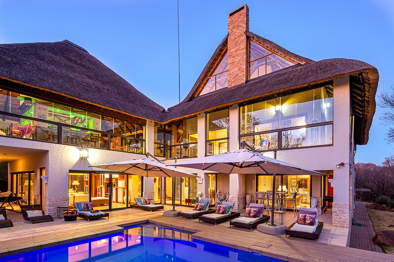 Vaal River YOLO Spaces - Vaal River Bush Lodge, holiday rental in Parys