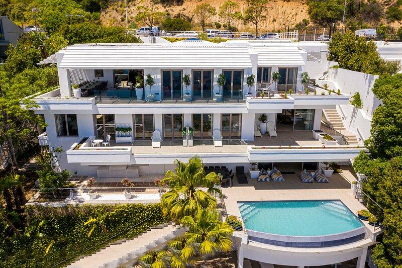 Clifton Mansion Villa, holiday rental in Clifton