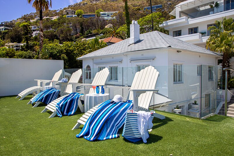 Clifton Boutique Apartment B, holiday rental in Clifton