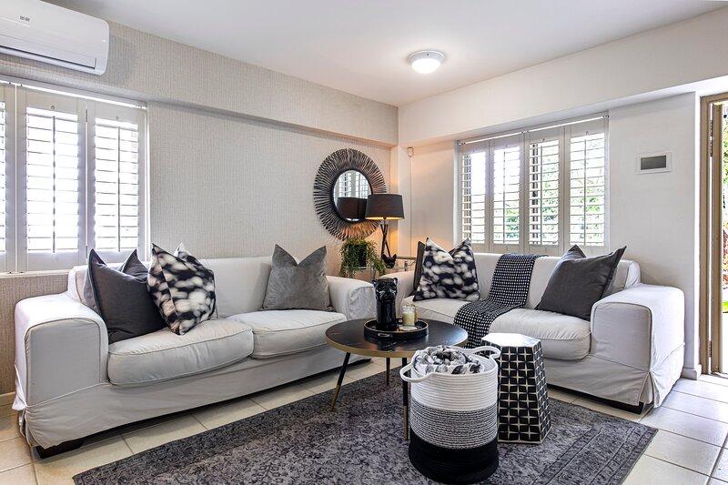 Clifton Mansion Villa Apartment, holiday rental in Clifton