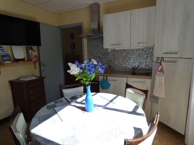 Apartment with mountain view, vacation rental in Saint-Laurent-de-Cerdans