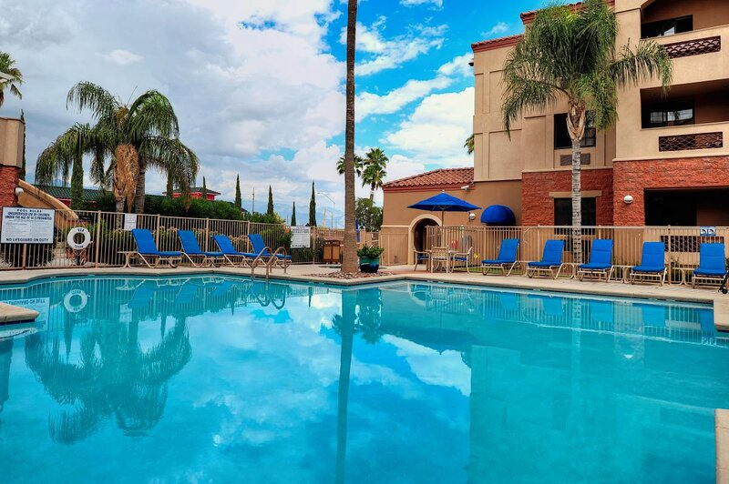 Outdoor Getaway! Comfy Unit, Kitchen, Pool, holiday rental in Tucson