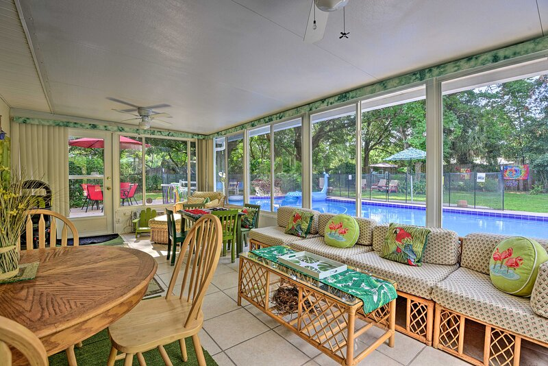Family Home w/ Shared Pool < 7 Mi to Wekiva Island, casa vacanza a Altamonte Springs