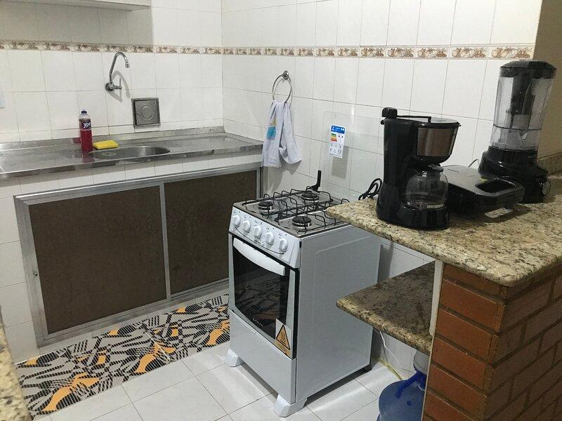 CASA INTEIRA 5 MIN DA LAGOA/25 MIN DE CABO FRIO E APROX 25 MIN DA ENT DE BUZIOS, alquiler de vacaciones en Iguaba Grande