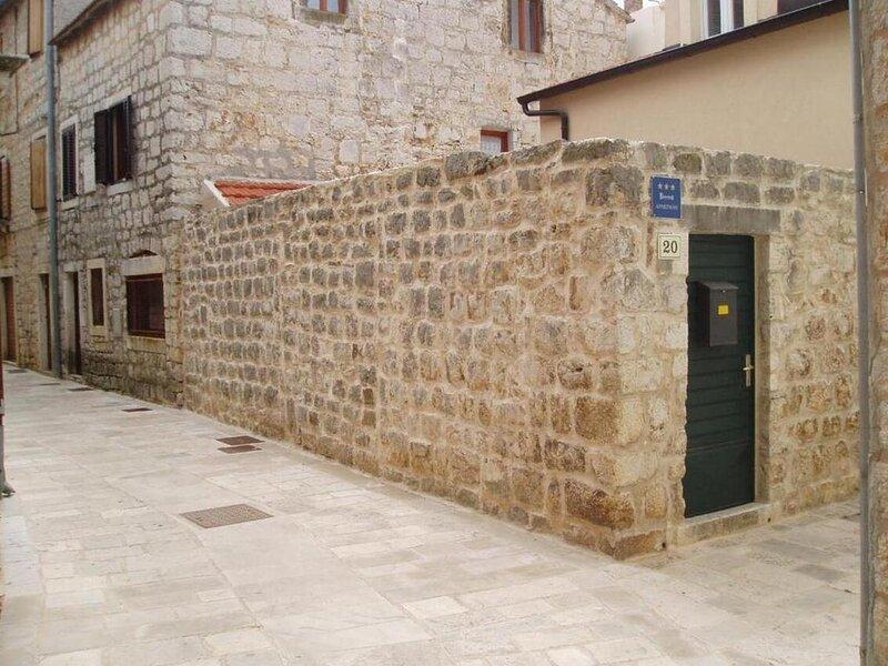 One bedroom apartment Stari Grad, Hvar (A-18850-a), holiday rental in Dol