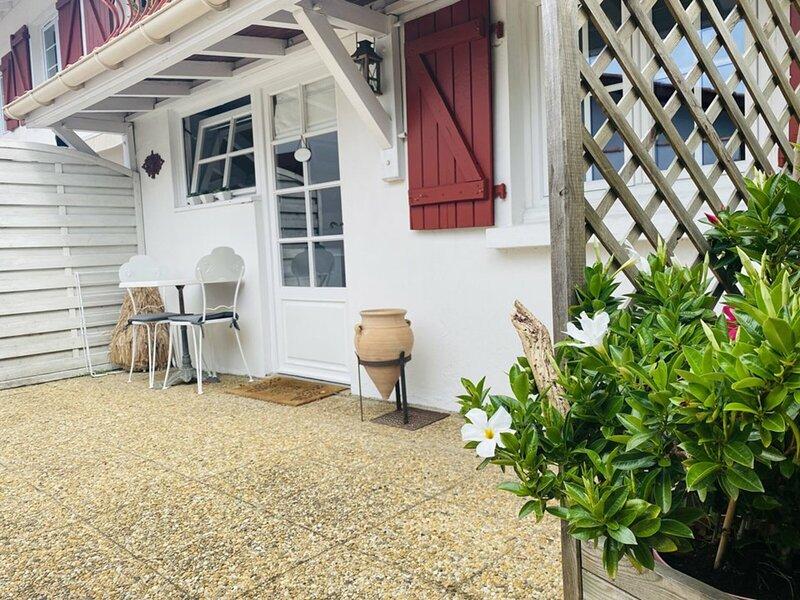 Joli petit studio proche du centre-ville de Soorts-Hossegor, holiday rental in Angresse