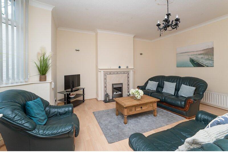 Lovely Central Home naar Beach, Lawe Rd, casa vacanza a South Shields
