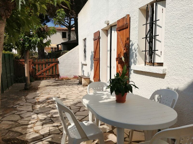 1 Bed Apartment Ground floor / Mont St Martin, holiday rental in Cap-d'Agde