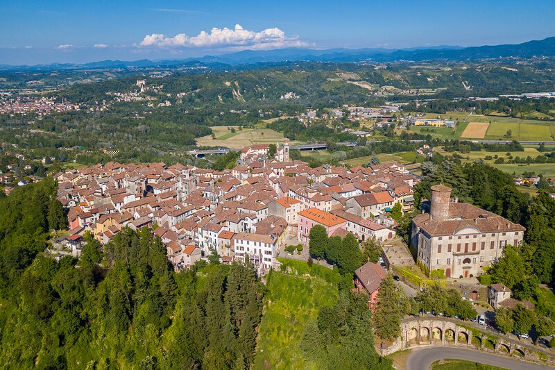 Le Conchiglie - Castello Rocca Grimalda, holiday rental in Ovada