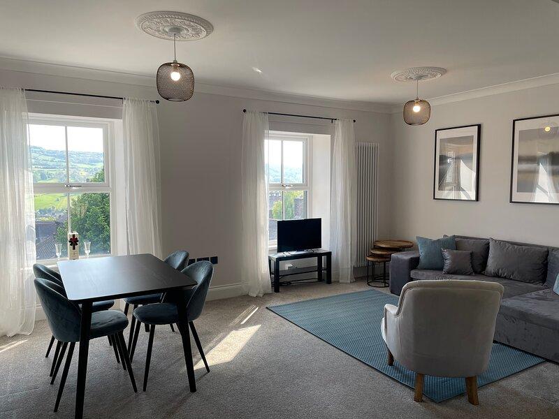 Modern Apartment in Matlock, Peak District, holiday rental in Holestone Moor