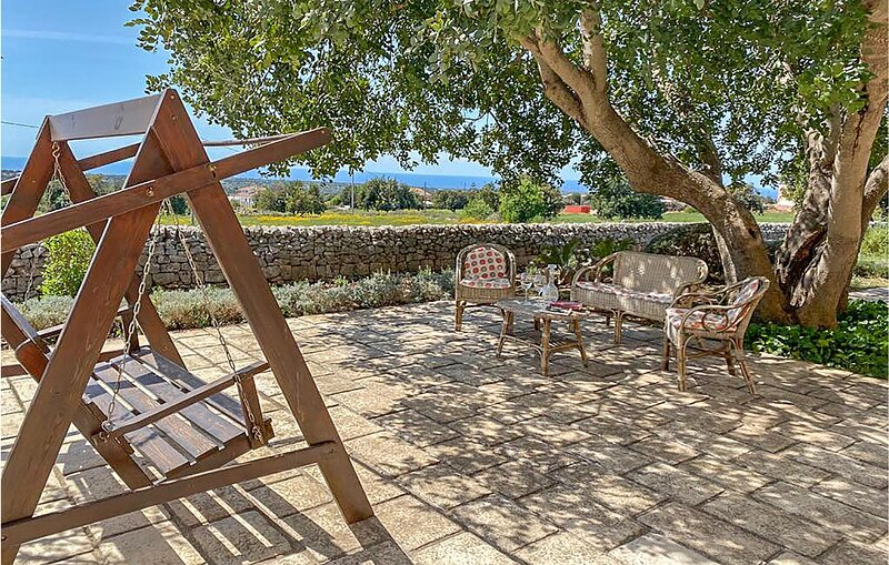 Nice home in Scicli with WiFi and 4 Bedrooms (ISR379), holiday rental in Zappulla