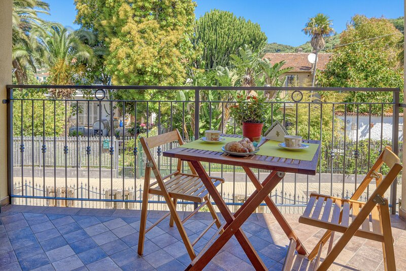 Appartamento Alice - Cervo, holiday rental in Cervo