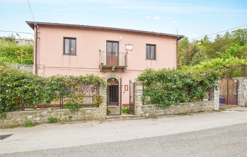 Amazing home in Raccuja with WiFi and 4 Bedrooms (ISP248), holiday rental in Montalbano Elicona
