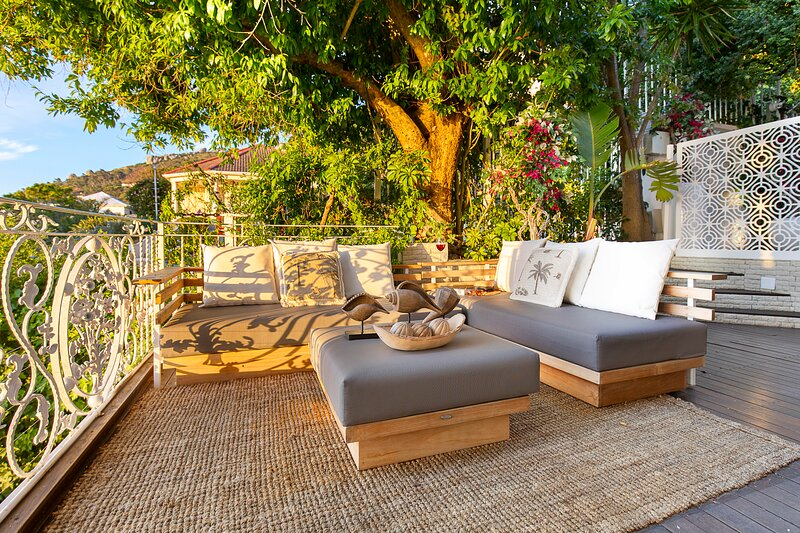 Clifton Sea View Apartment, holiday rental in Clifton