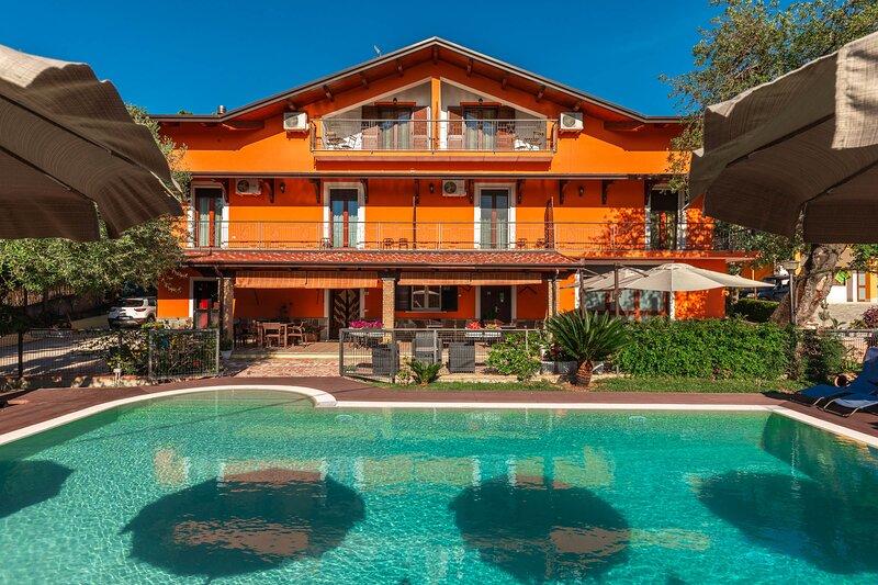 Bb La Mortella con Piscina, location de vacances à Buccino