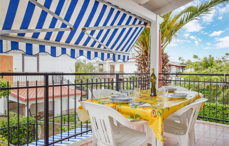 Awesome home in Botricello with 2 Bedrooms (IKK576), holiday rental in Cropani